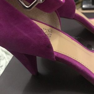 Vince Camuto Shoes - Vince Camuto hot pink heel. Worn once! GUC